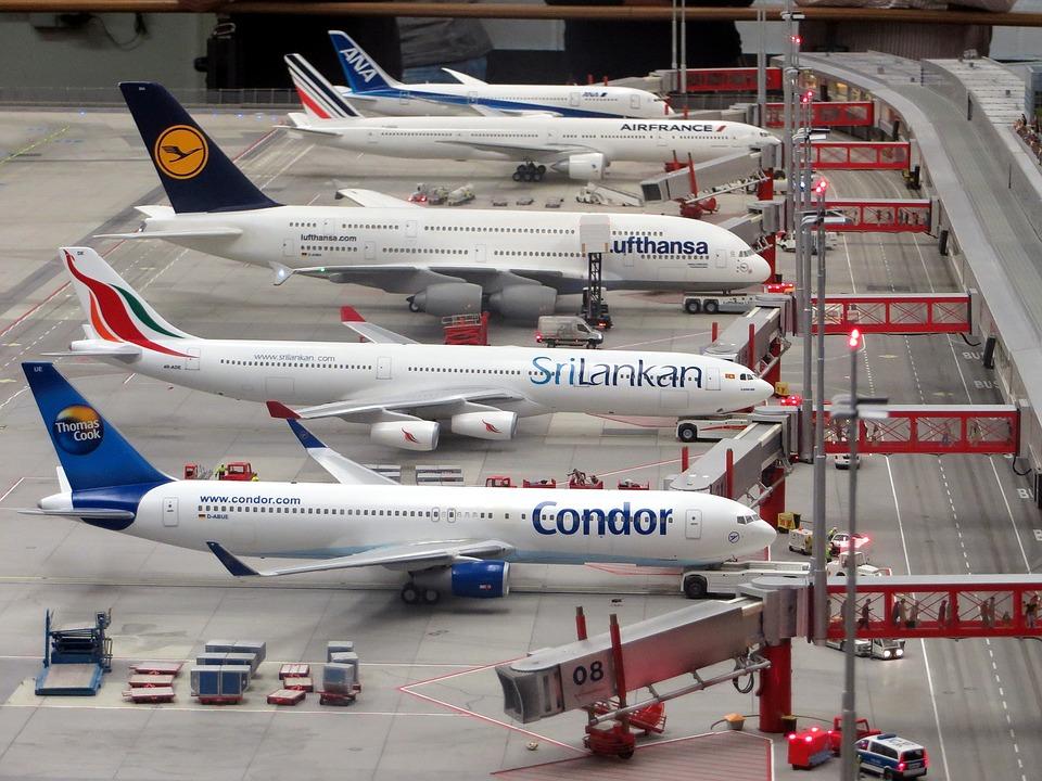 たくさんの飛行機